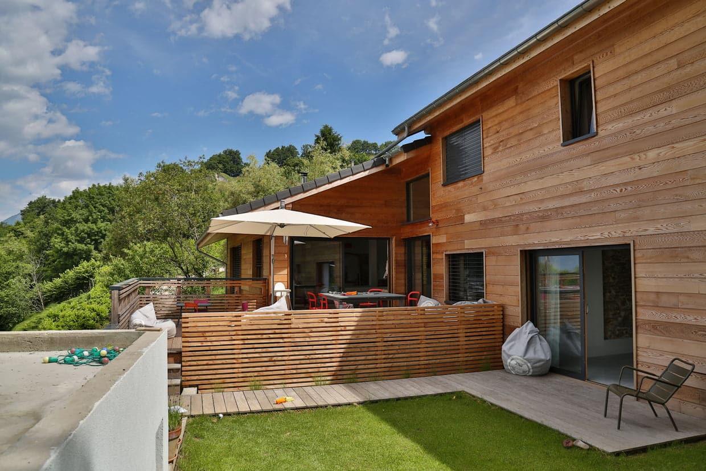 Bonne isolation avec la maison en bois massif